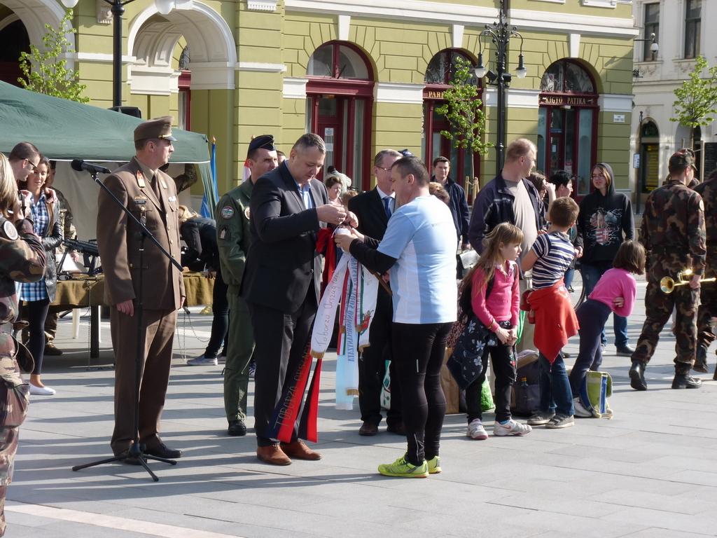 Eger városi katonai rendezvény – toborzó országfutás, 2016